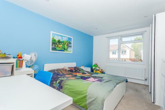 house-langley-avenue-worcester-park-1013.jpg