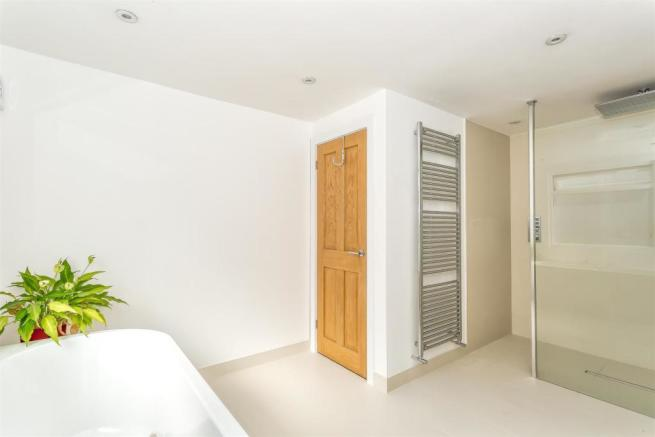 house-langley-avenue-worcester-park-1018.jpg