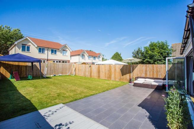 house-langley-avenue-worcester-park-1021.jpg