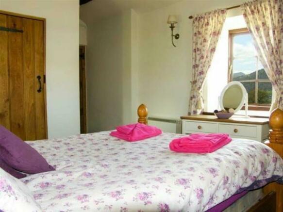 Bedroom En-suite: