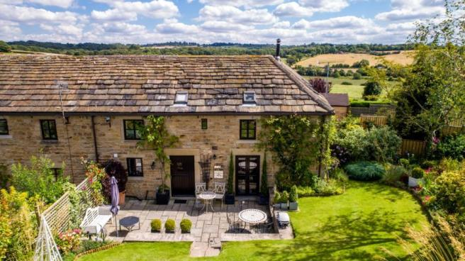 3 Bedroom Barn Conversion For Sale In Park Farm Mews