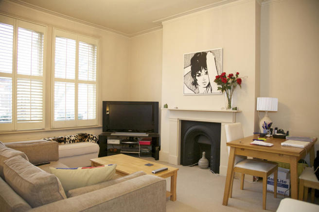 Flat First floor, 1 Dorncliffe, SW6 5LE