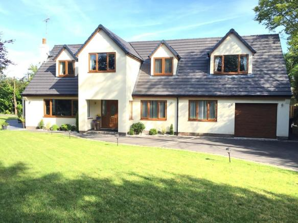 5 Bedroom Detached House For Sale In Grotton Meadows Oldham