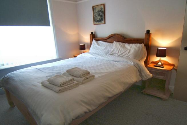 Guest bed 2