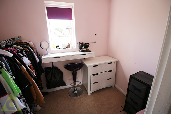 Bed 2 Dressing Area