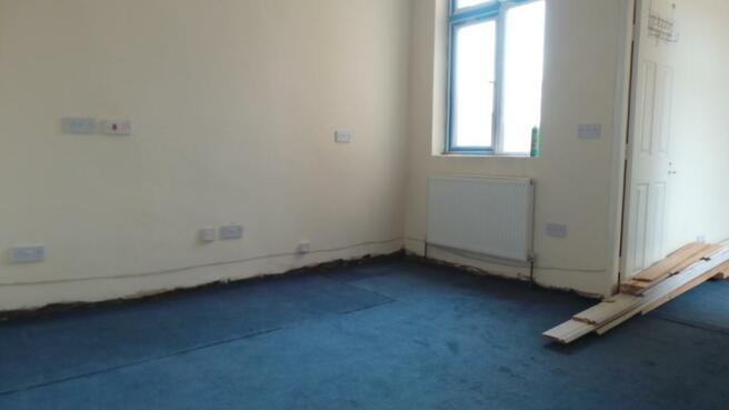 FIRST FLOOR ROOM2