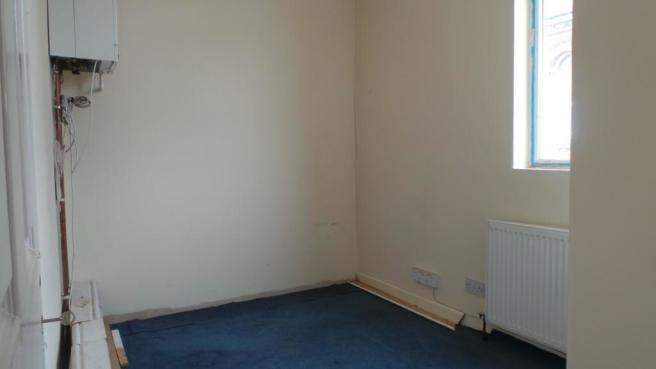 FIRST FLOOR ROOM3