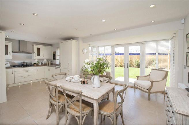 Dining Kitchens