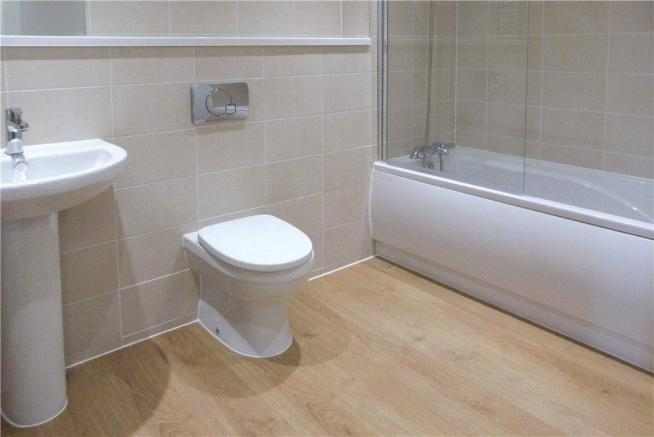 Apt 4 Bathroom