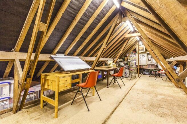 Loft/Hobby Space