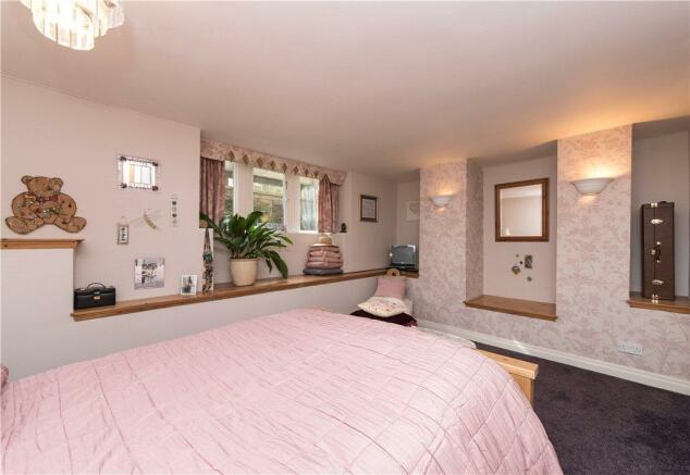 Bedroom Or Sitting