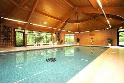 33 Craigieburn Park Swimming Pool