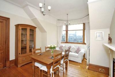 bedroom dining room2