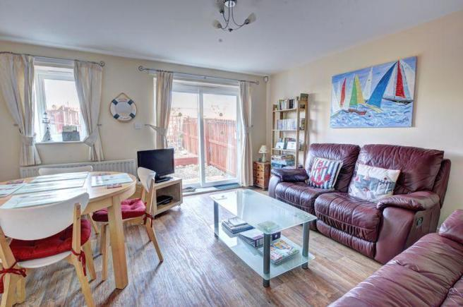 23f099a694beea 2 bedroom terraced house for sale in Kings Field