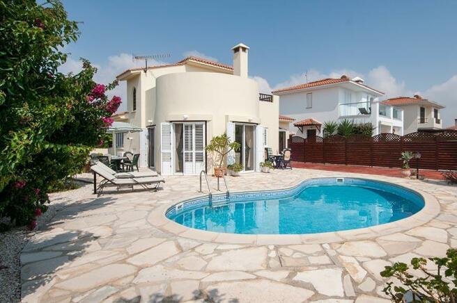Front garden & pool
