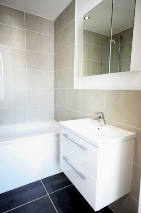 Flat 11 Bathroom 2.JPG