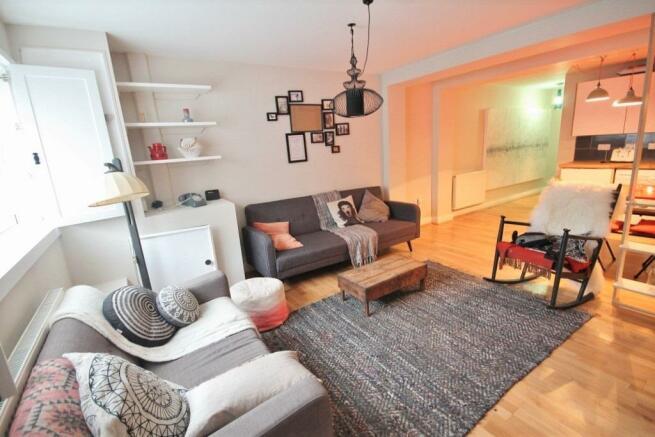 Living room (683x1024).jpg