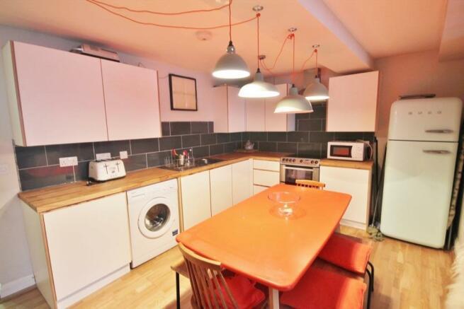 Kitchen (683x1024).jpg