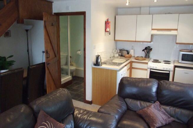 Lounge / Kitchen / B