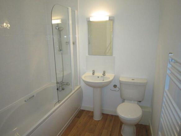 Bathroom - Copy.jpg