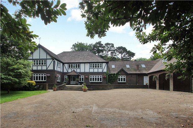7 Bedroom Detached House For Sale In School Lane West