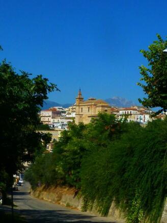 Collecorvino is a short stroll away