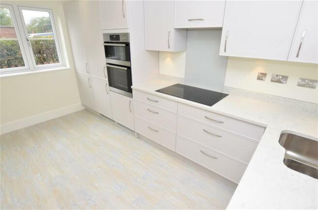 kitchen DSC_0005.jpg