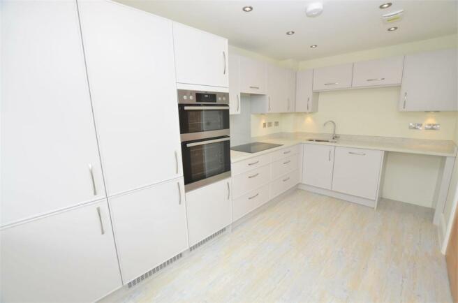 kitchen DSC_0001.jpg
