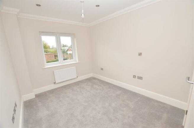 second bedroom DSC_0011.jpg