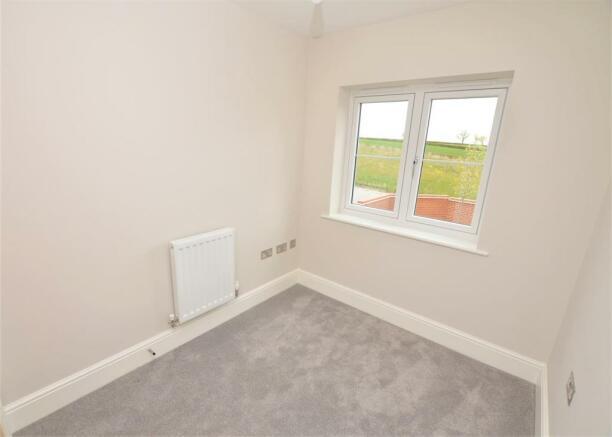 third bedroom DSC_0017.jpg