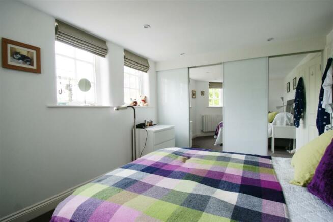 Bedroom 1 (1).JPG