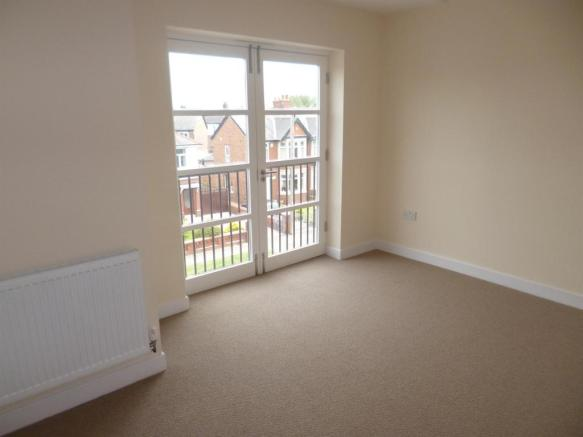 Flat 3 Bed 1