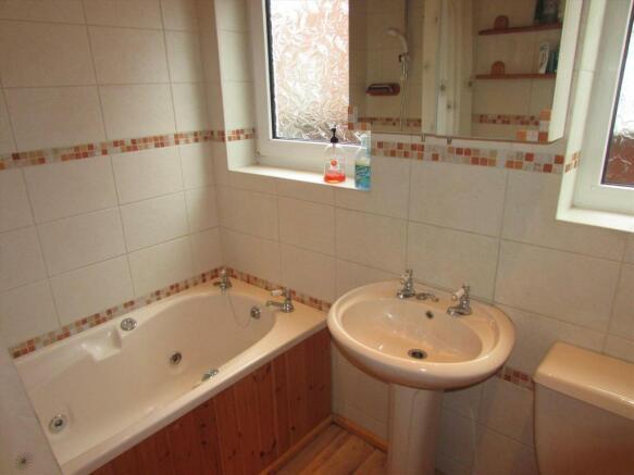 Grd Flr Bathroom