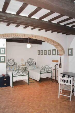 garden level room