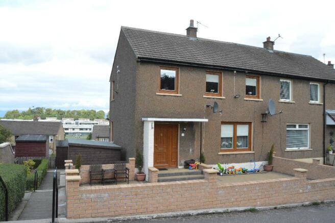 3 bedroom end of terrace house for sale in windsor road falkirk picture 2 freerunsca Images