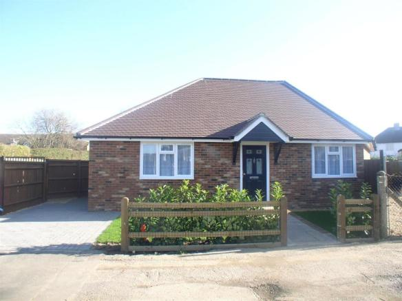 Bungalow Stanmore ext.jpg