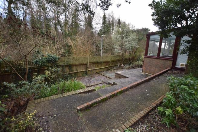 Enclosed Side & Rear Garden
