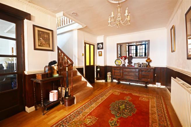 Third Reception Room/Hallway