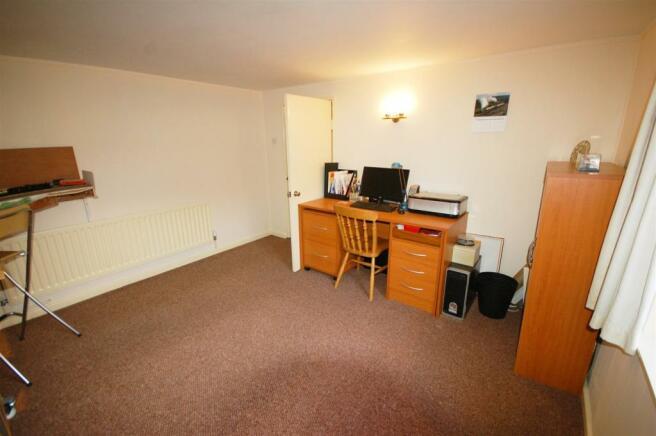 Bedroom (lower ground floor)