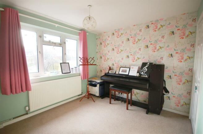 Bedroom/Music room