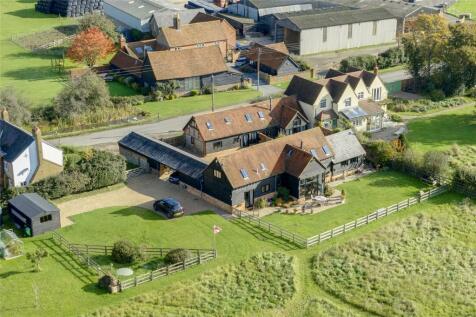 7 bedroom barn conversion for sale in Chartridge, Chesham, Buckinghamshire, HP5