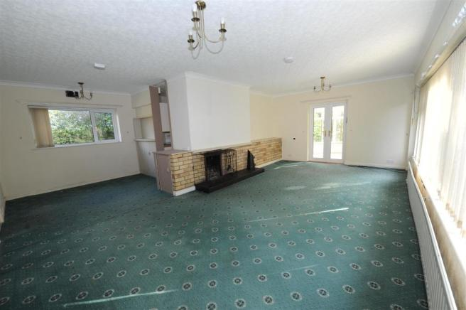 Large MAIN LIVING SPACE