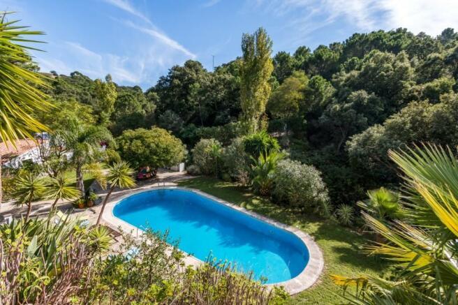 13 metre pool