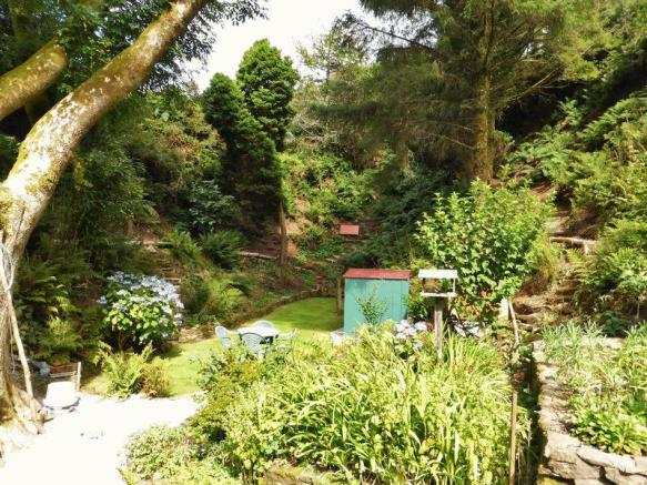 Idyllic gardens
