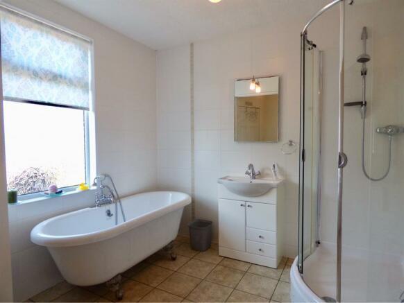 1st Fl Bathroom