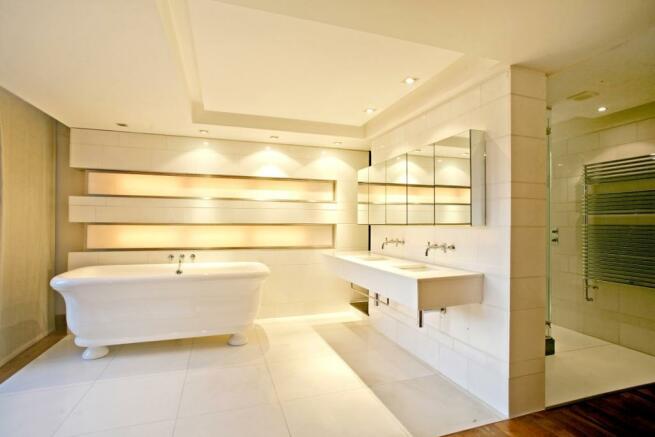 Bathroom (2)_high