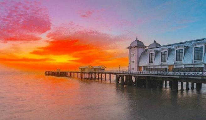 Penarth Pier a...