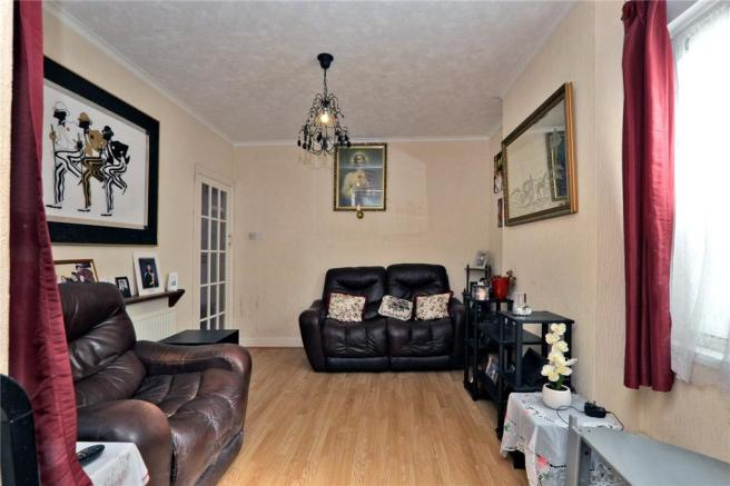 2 Bedroom Bungalow For Sale In Lumley Road Cheam Sutton