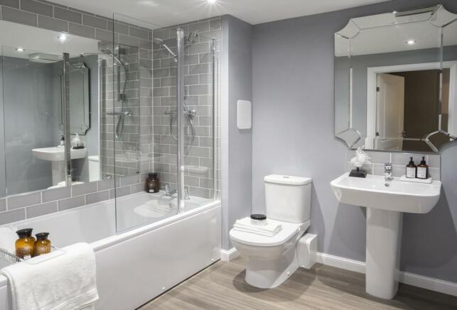 The Sandpiper Bathroom