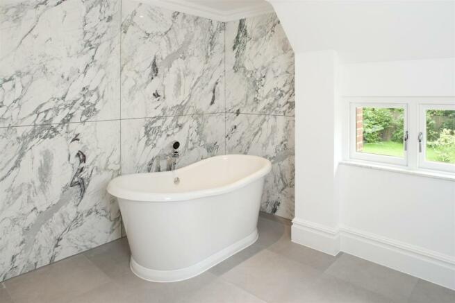 Grove House bathroom shot 1.jpg